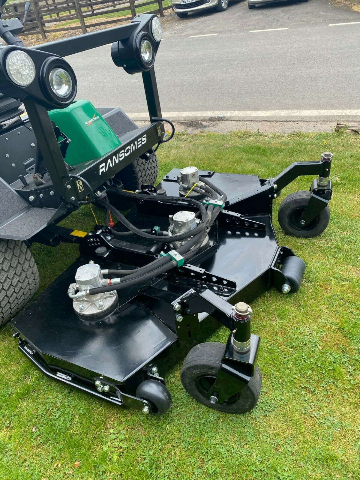 """RANSOMES HR3300T UPFRONT ROTARY, 60"""" CUT, 4x4, DIESEL, YEAR 2014, RIDE ON MOWER *PLUS VAT* - Image 9 of 10"""