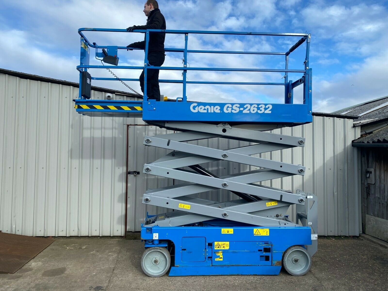 GENIE GS-2632 ACCESS PLATFORM SCISSOR LIFT, YEAR 2014 *PLUS VAT* - Image 7 of 9