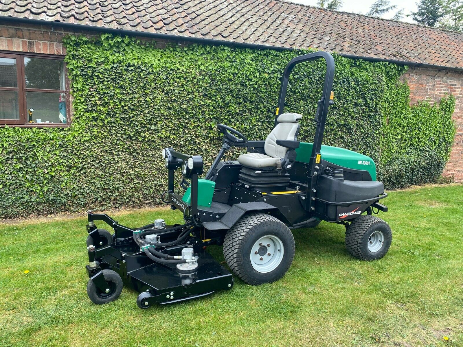 """RANSOMES HR3300T UPFRONT ROTARY, 60"""" CUT, 4x4, DIESEL, YEAR 2014, RIDE ON MOWER *PLUS VAT*"""