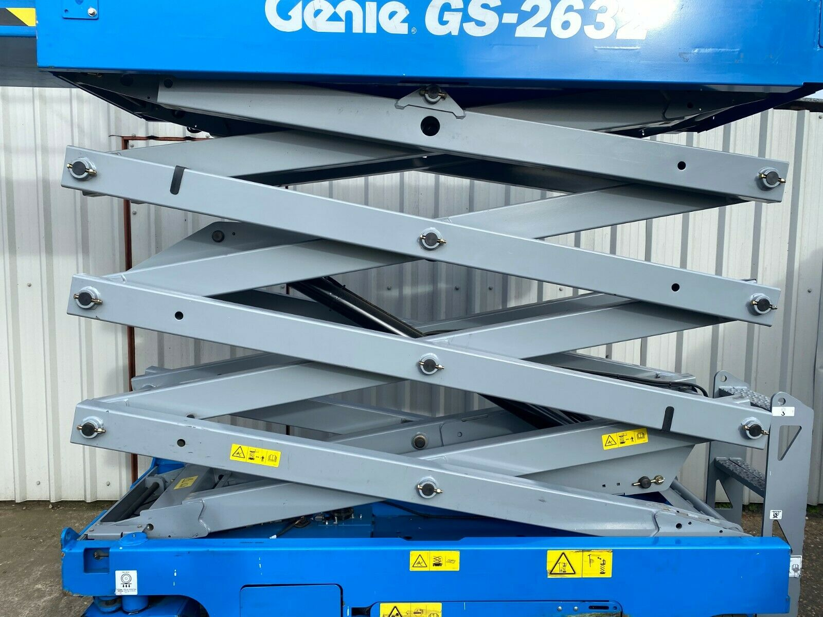 GENIE GS-2632 ACCESS PLATFORM SCISSOR LIFT, YEAR 2014 *PLUS VAT* - Image 3 of 9