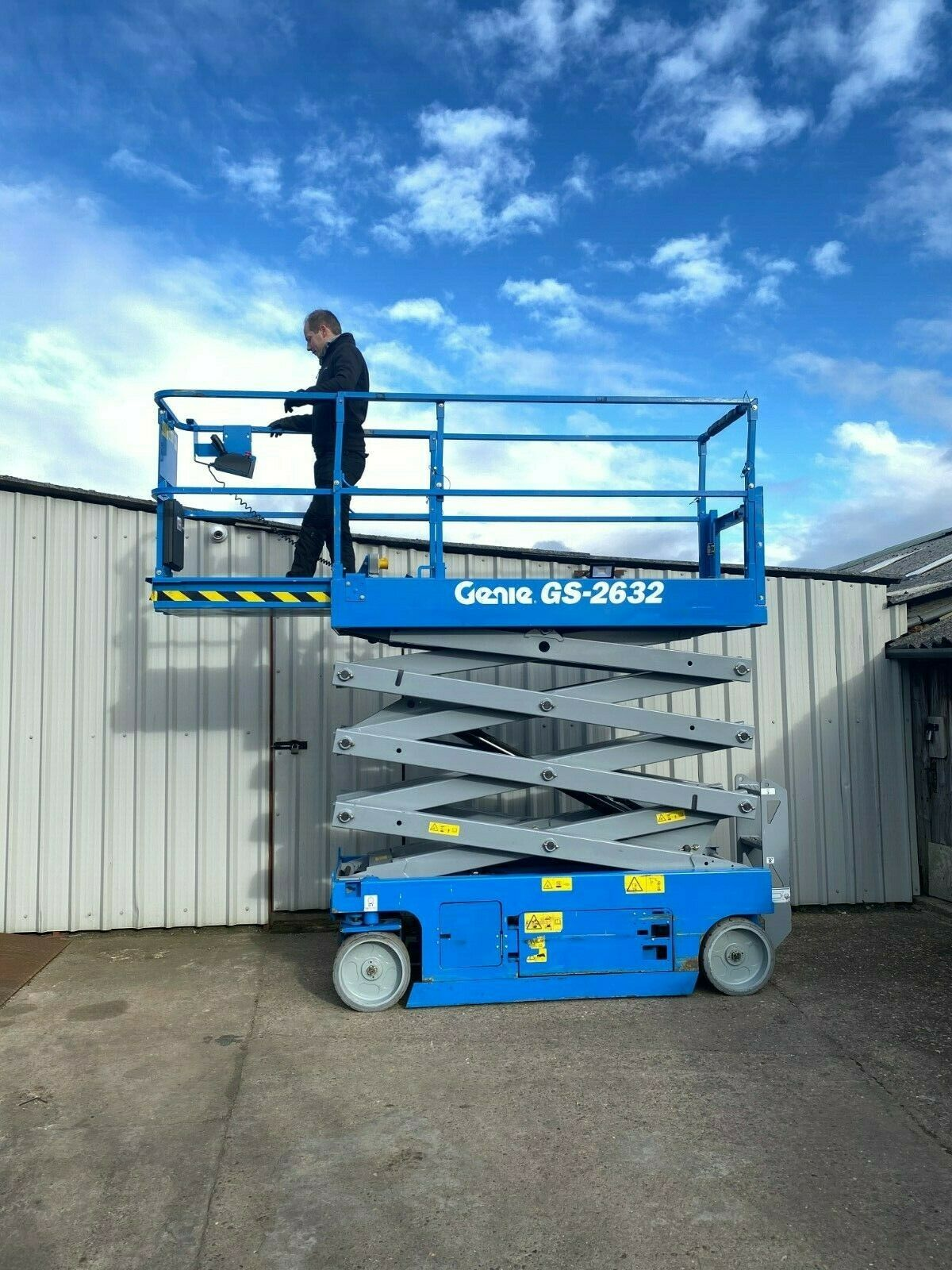 GENIE GS-2632 ACCESS PLATFORM SCISSOR LIFT, YEAR 2014 *PLUS VAT* - Image 6 of 9
