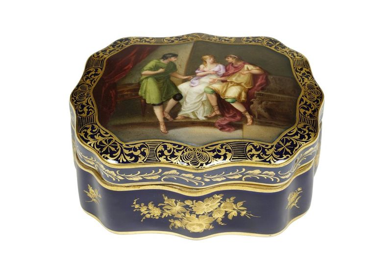 German porcelain hand-painted casket, Wolfson, circa 1880 - blue mark D under the [...] - Bild 2 aus 2