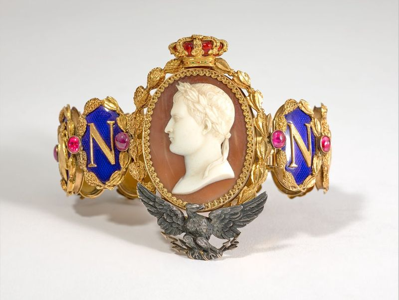NAPOLEON PRESENTATION BRACELET TO LAS CASES UNIQUE GOLD, BLUE ENAMEL AND GEMSTONE [...]