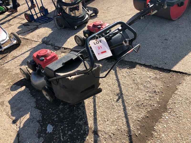 Lot 21 - 2 x Honda petrol mowers
