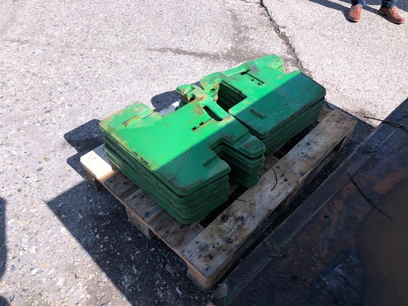 Lot 4 - 11 x 50kg John Deere tractor weights
