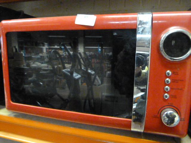 Lot 65 - Microwave