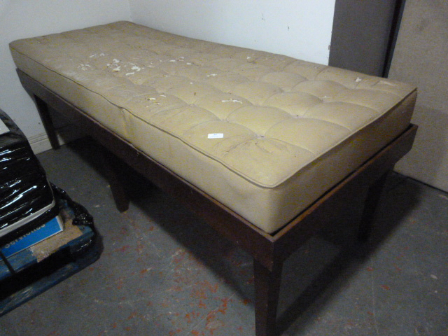Lot 47 - Examination Couch