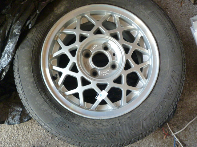 Lot 28 - Saab 900 195/65R15 Tyre on Wheel