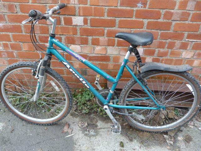 Lot 13 - Apollo Repulse Bicycle