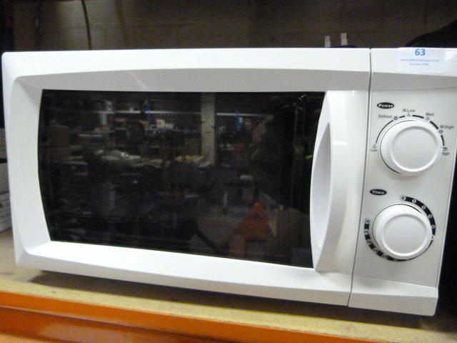 Lot 63 - Microwave