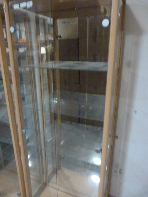 Lot 37 - Mirrored Back Display Cabinet 168x64x33cm