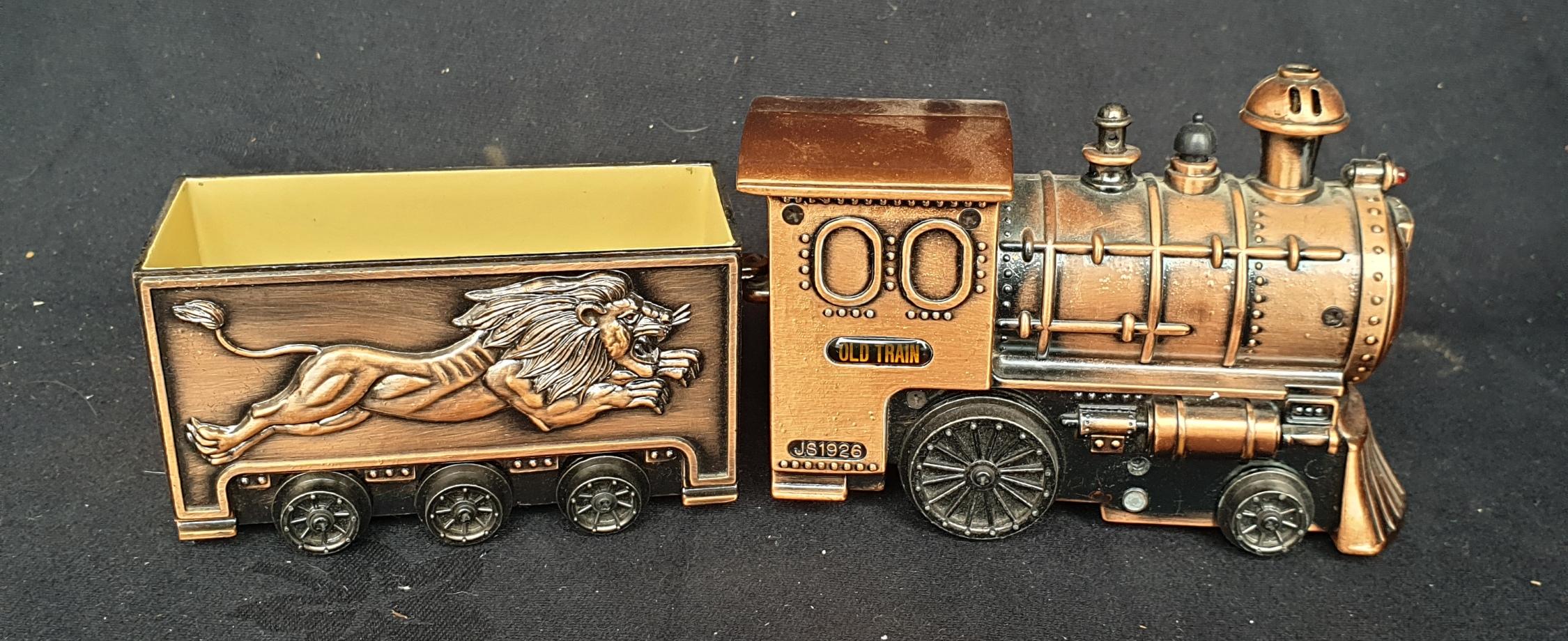 Vintage Train Novelty Table Lighter (A/F) - Image 3 of 3