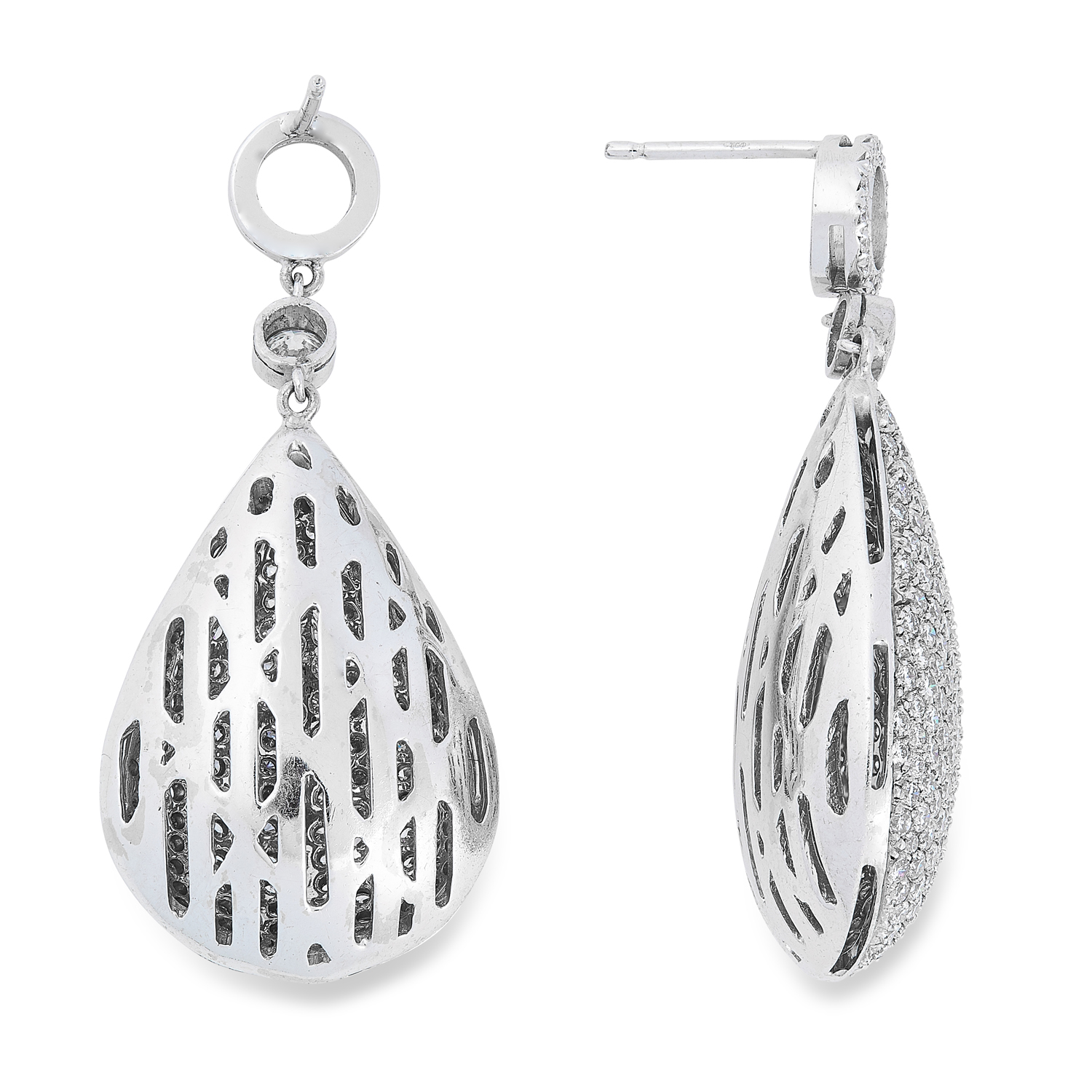 A DIAMOND PENDANT AND EARRINGS SUITE comprising a pair of earrings, pendant and chain, in teardrop - Image 4 of 4