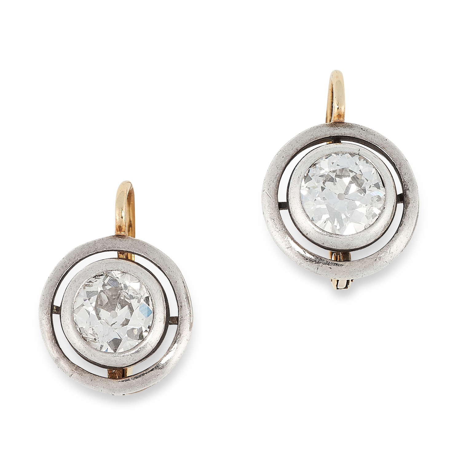A PAIR OF ANTIQUE DIAMOND EARRINGS in yellow gold, each set with an old cut diamond totalling 1.8-
