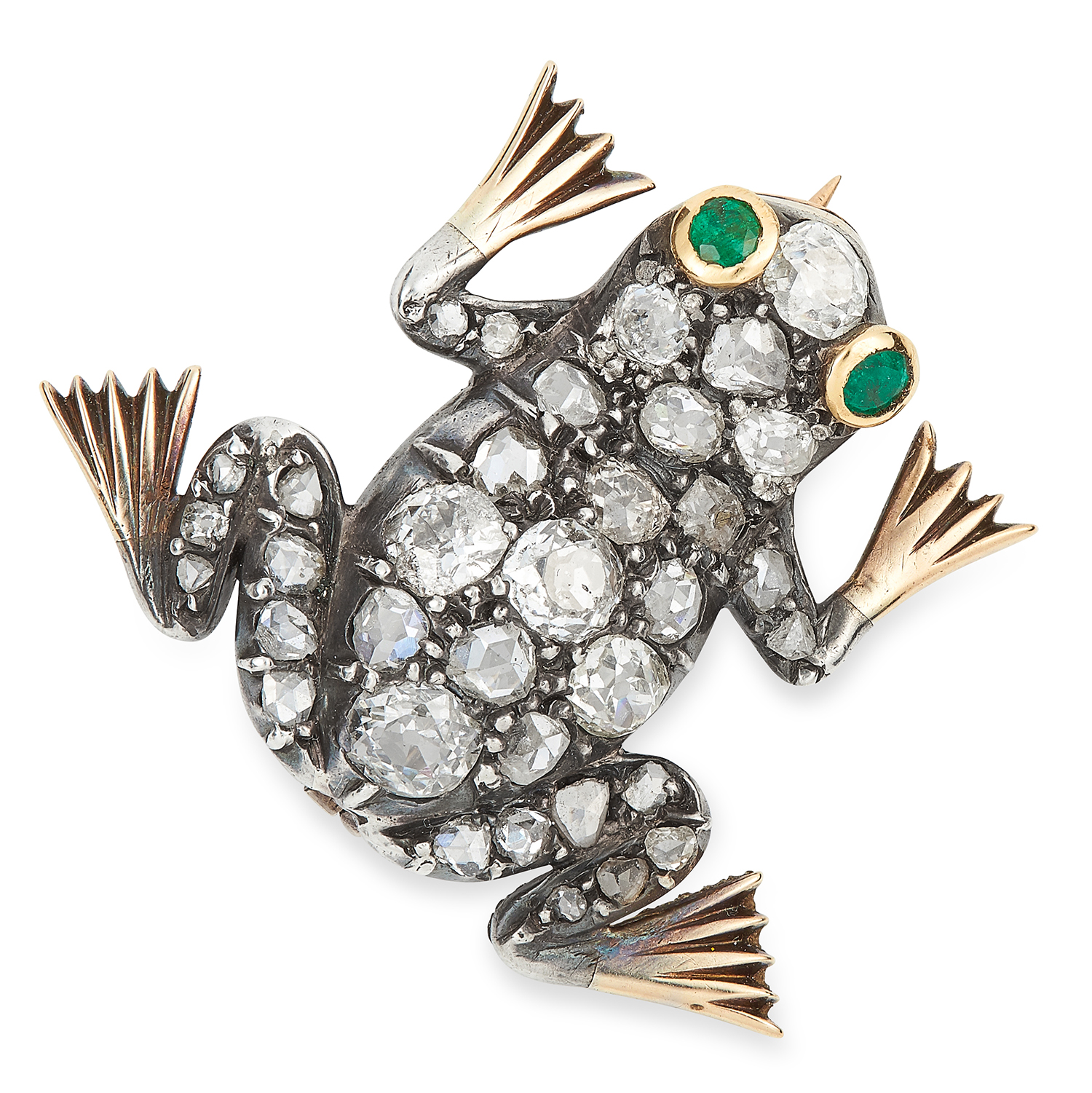 AN ANTIQUE DIAMOND AND EMERALD FROG BROOCH in yellow gold and silver, set with old cut diamonds