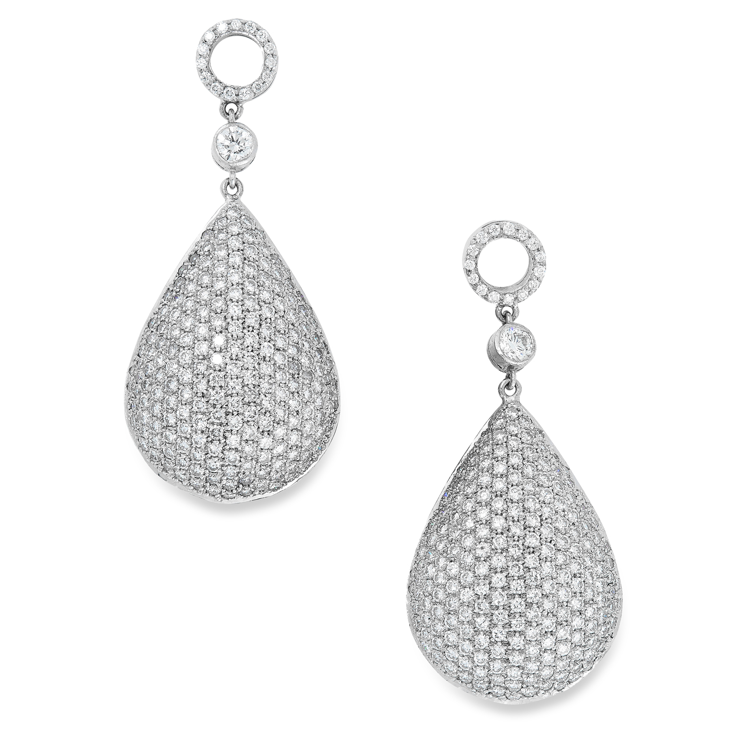 A DIAMOND PENDANT AND EARRINGS SUITE comprising a pair of earrings, pendant and chain, in teardrop - Image 3 of 4