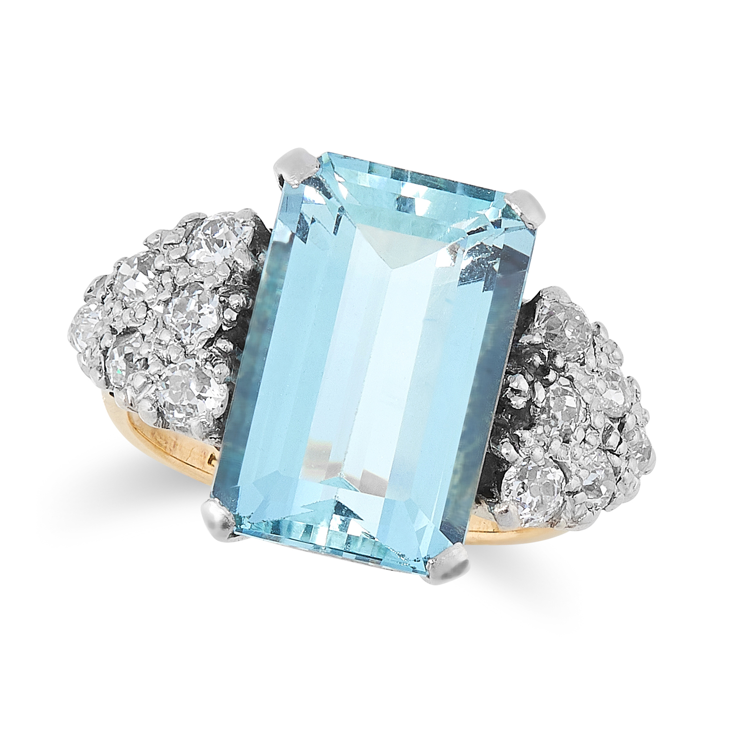 AN ART DECO AQUAMARINE AND DIAMOND RING in yellow gold, set with an emerald cut aquamarine of 5.00