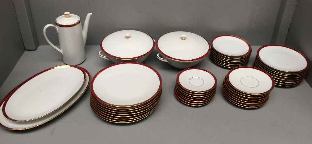 Lot 31 - Good quality Bavarian dinner service decorated in gilt & claret rim on white ground