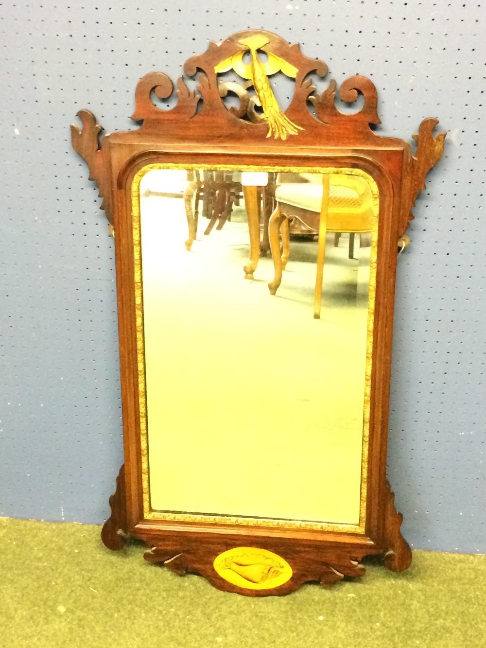Lot 288 - Georgian wall mirror in mahogany with gilt inner frame & motif 92 x 54 cm