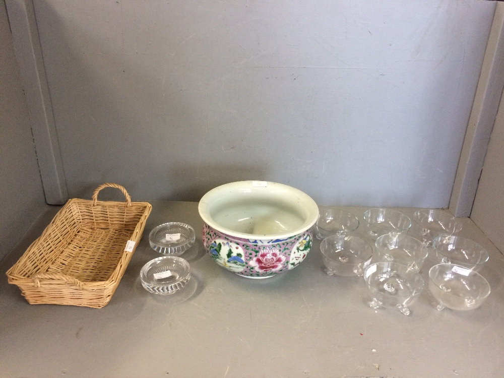 Lot 96 - Circular jardiniere decorated in the Chinese style, & 6 glass sundae dishes & 2 glass dishes
