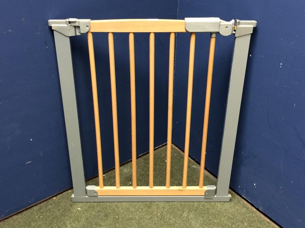 Lot 715 - Oak baby stairgate
