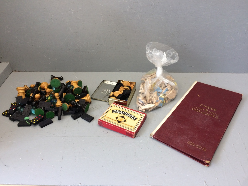 Lot 143 - Chess set, draughts, marbles, jigsaw puzzle