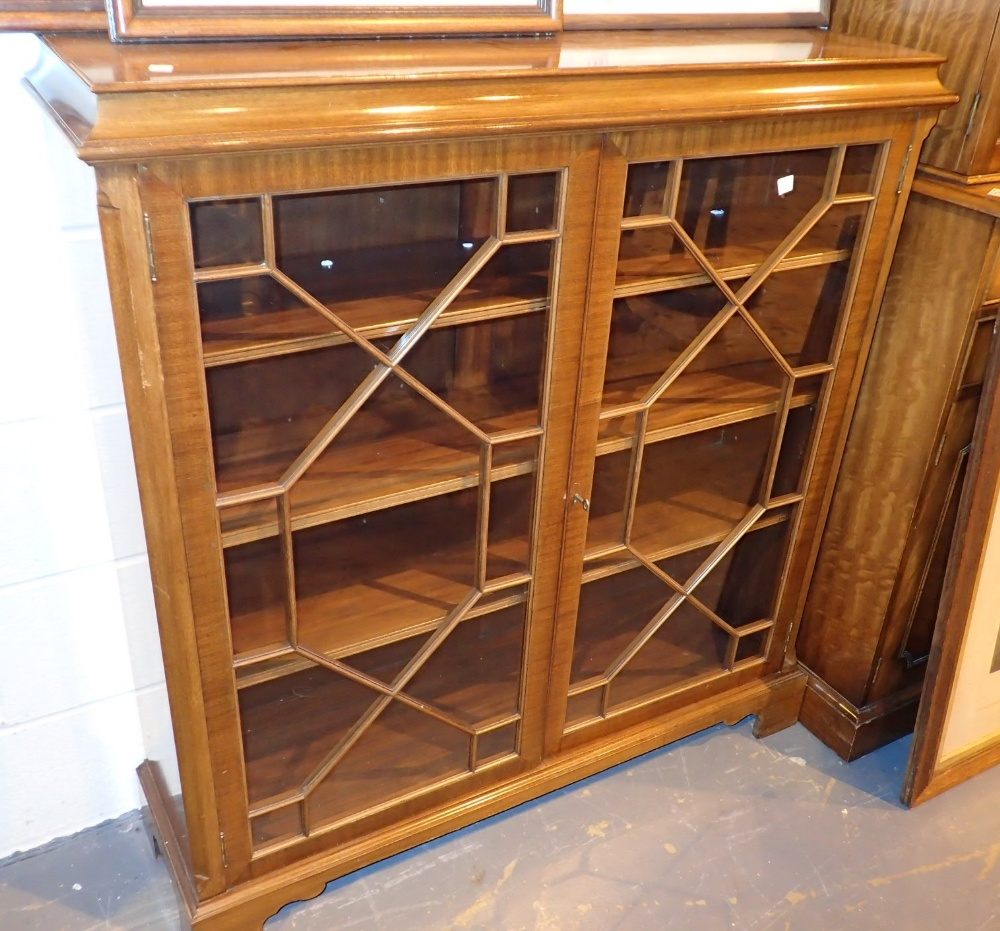 Astragal glazed mahogany bookcase on bracket feet 108 x 32 x 112 cm H