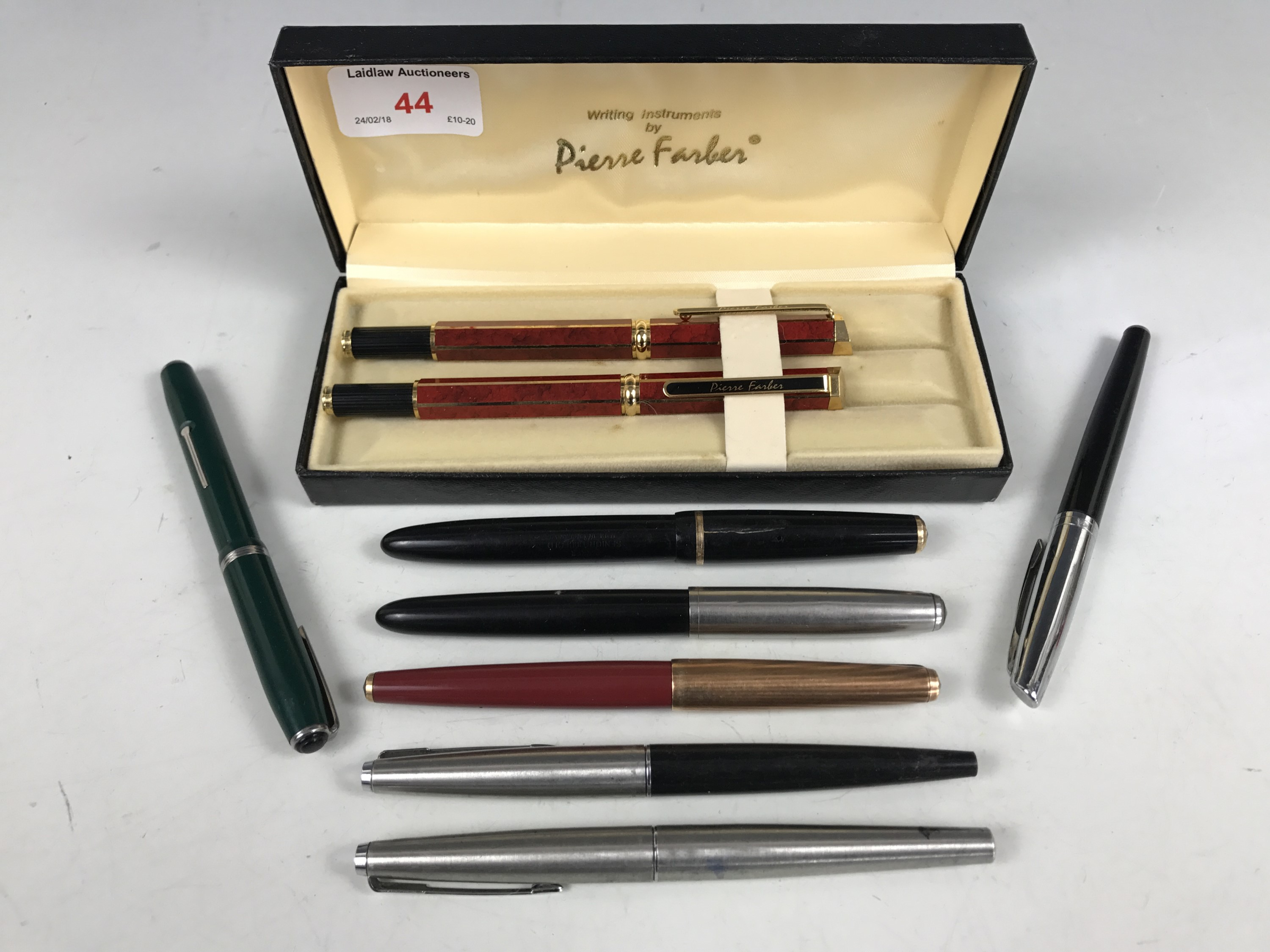 Lot 44 - A quantity of vintage fountain and other pens