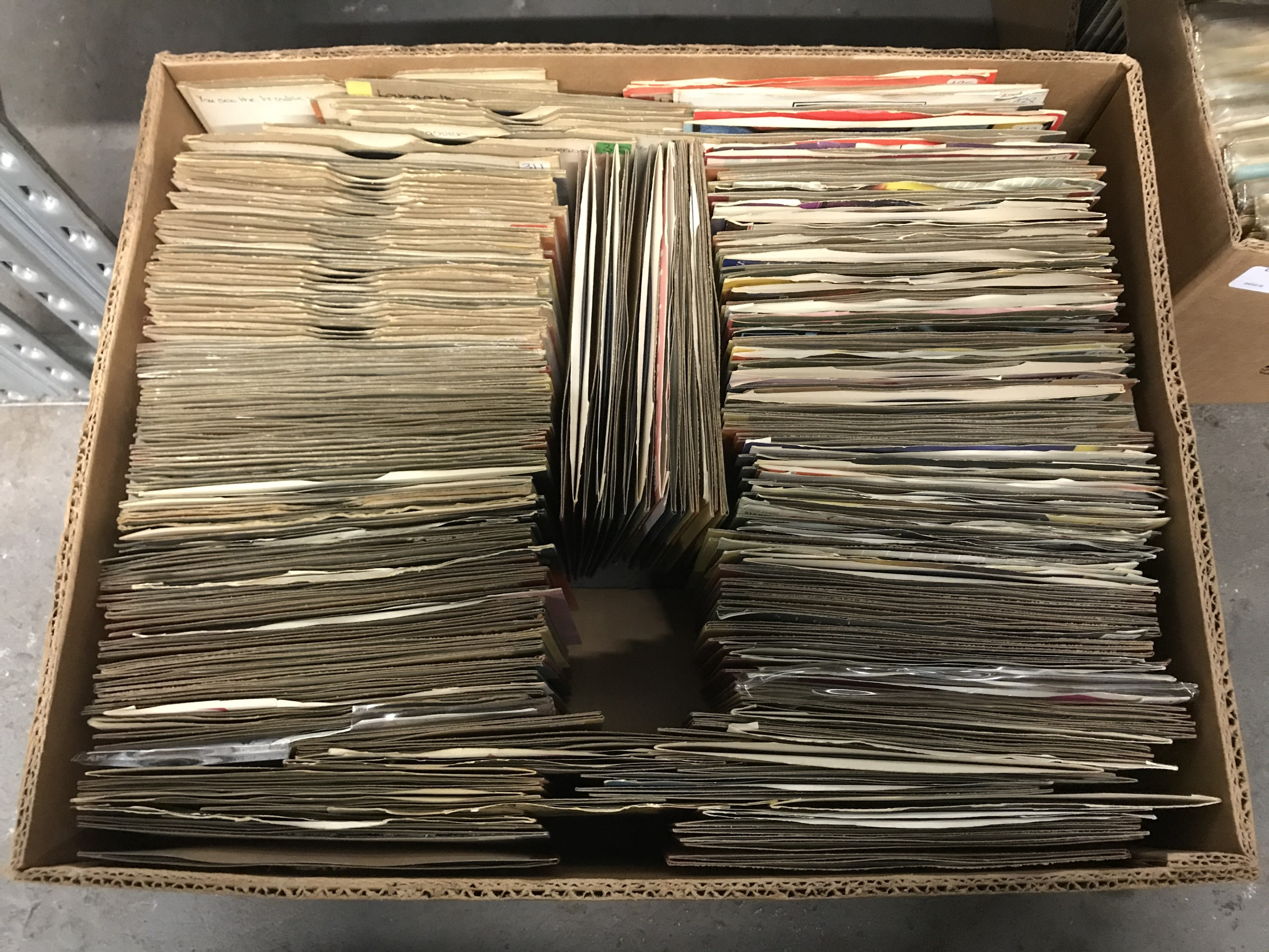 Lot 12 - A large quantity of single records