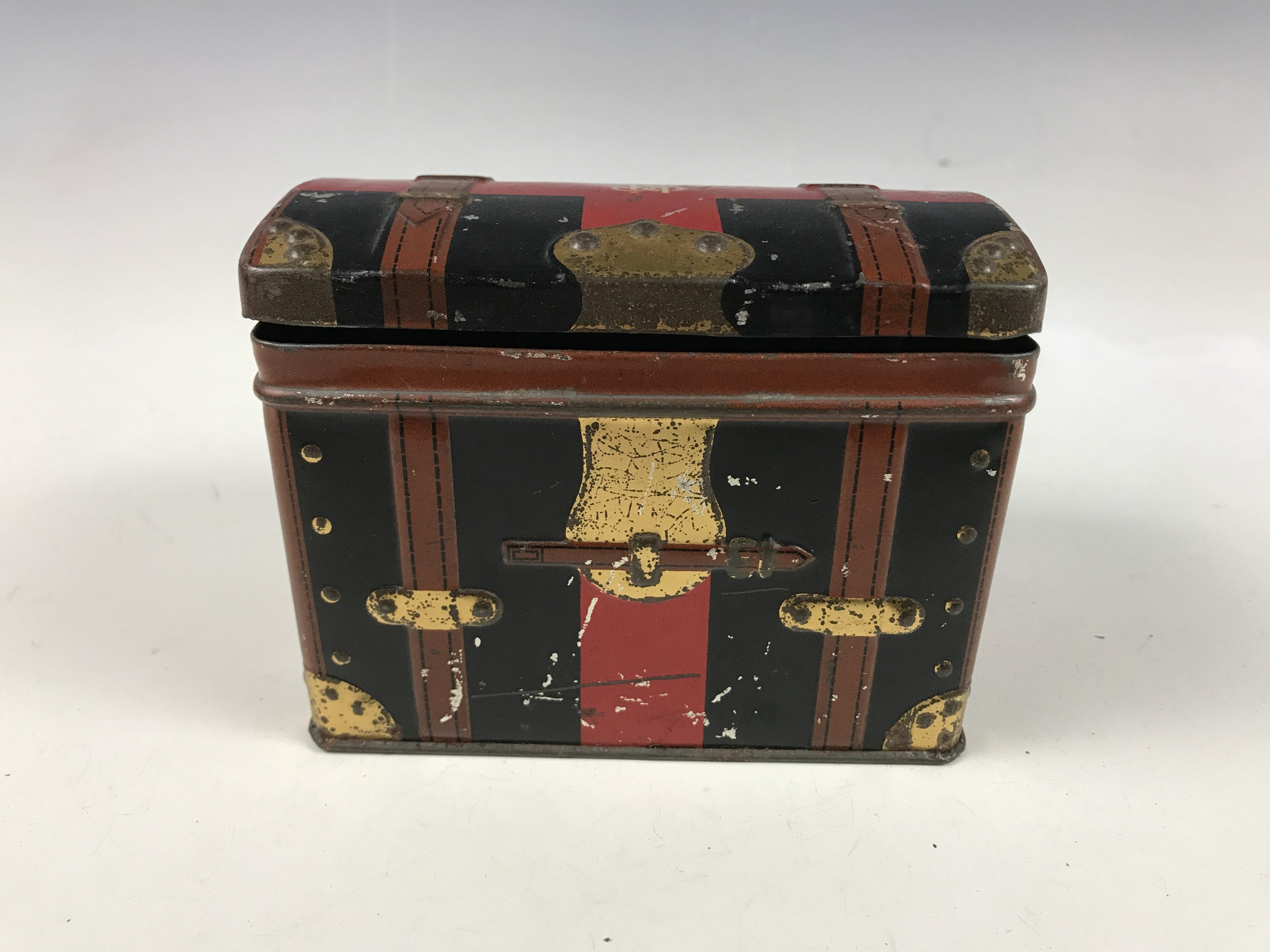 Lot 20 - An early 20th Century Hudson Scott / L&NW Railway novelty tinplate box modelled as a travelling