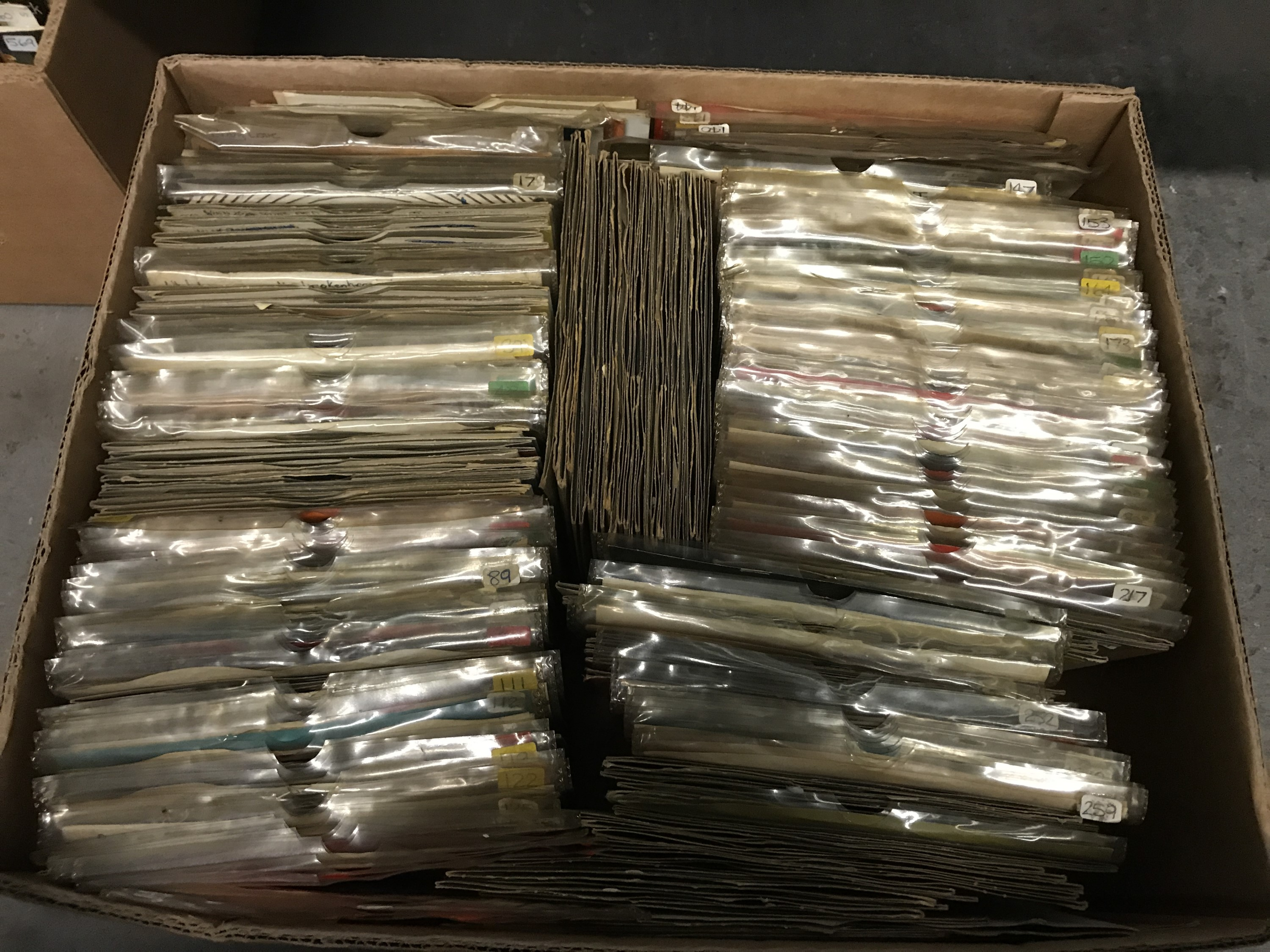 Lot 13 - A large quantity of single records