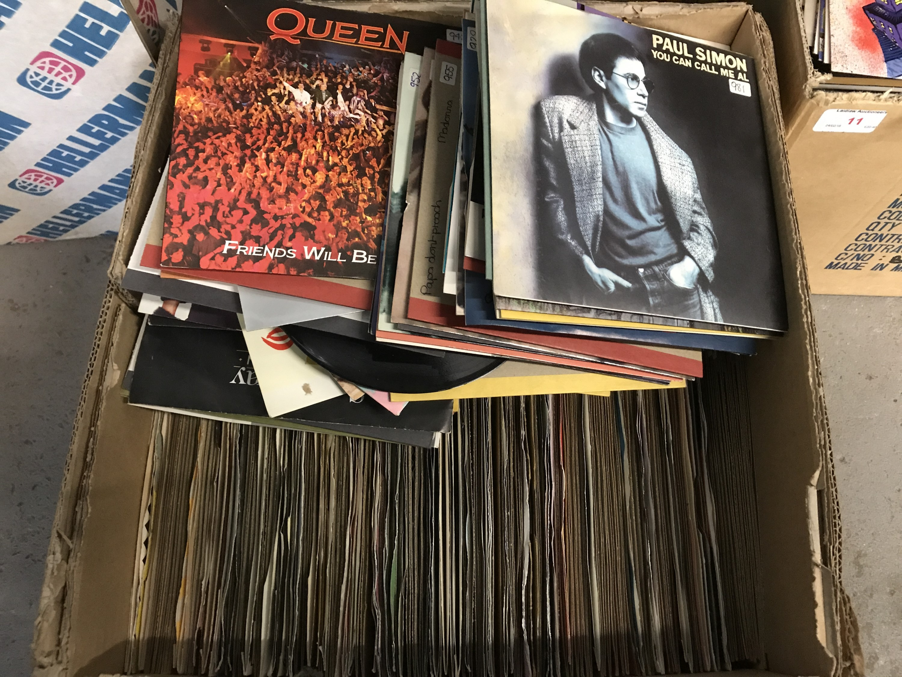 Lot 10 - A large quantity of single records