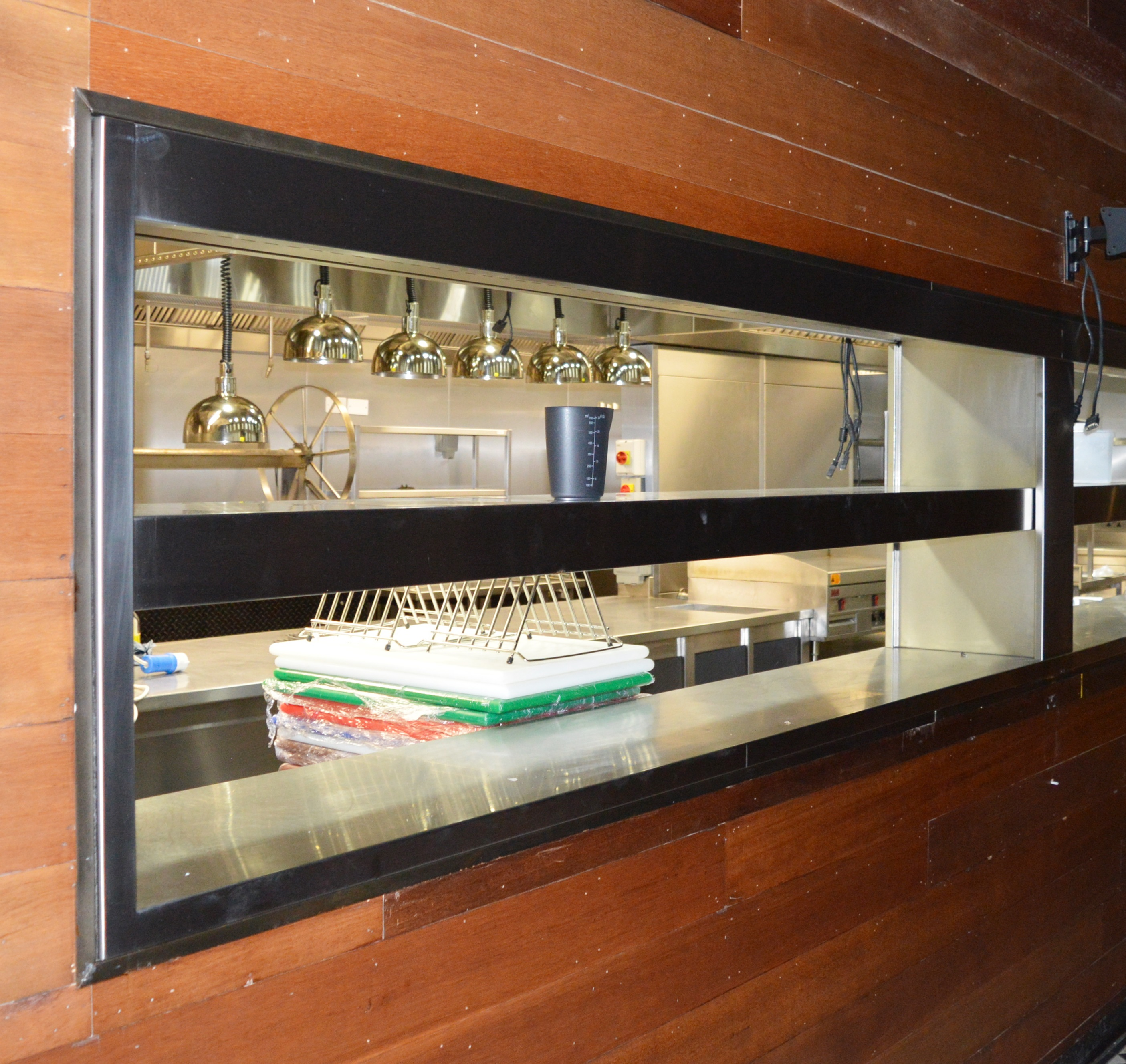 Industrial Kitchen Auctions: 1 X Commercial Kitchen Heated Gantry Shelf Pass