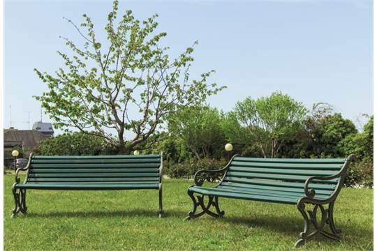 Panchine Da Giardino Legno E Ghisa : Coppia di panchine da giardino in ghisa e legno laccato inizi sec