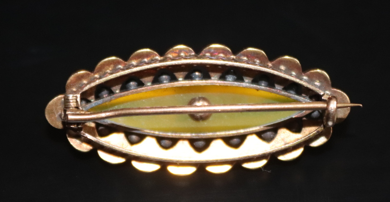Lot 6 - Victorian Gold Brooch, Central Lime Green Hardstone Set With