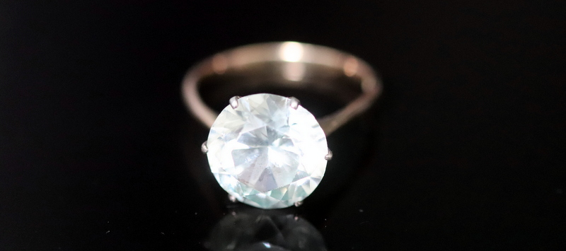 Lot 7 - 18ct Gold White Topaz Dress Ring, Set With A Large Brilliant Cut Stone
