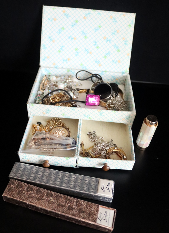 Lot 203 - Mixed Lot To Include Lady Scripto Boxed Propelling Pencil And Ballpoint Pen