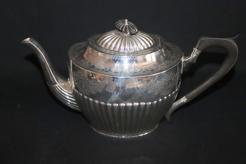 Lot 121 - Silver Teapot, Approx Weight 506g