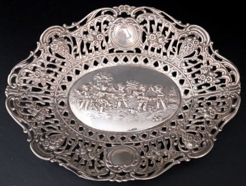 Lot 129 - Continental Silver Bowl, Shaped Edge With Pierced Border And Embossed