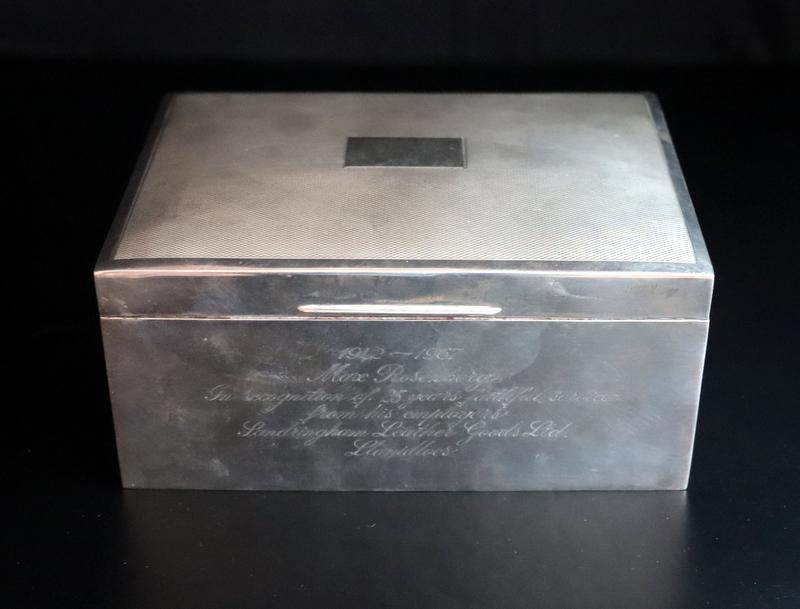 Lot 73 - Silver Wood Lined Cigarette/Cigar Box, Fully Hallmarked For Birmingham R 1966
