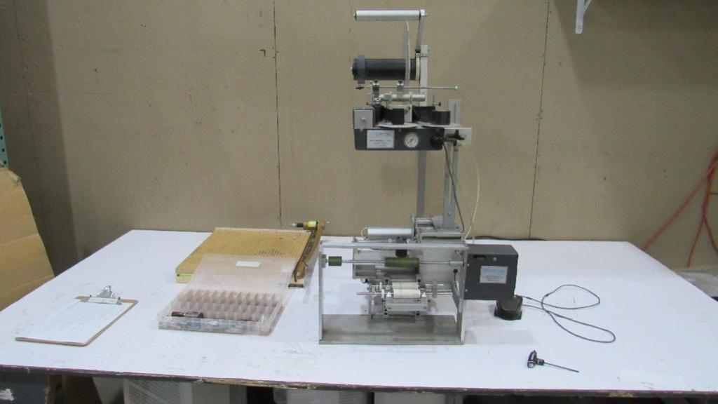 Lot 51 - Universal Semi Automatic Labeler