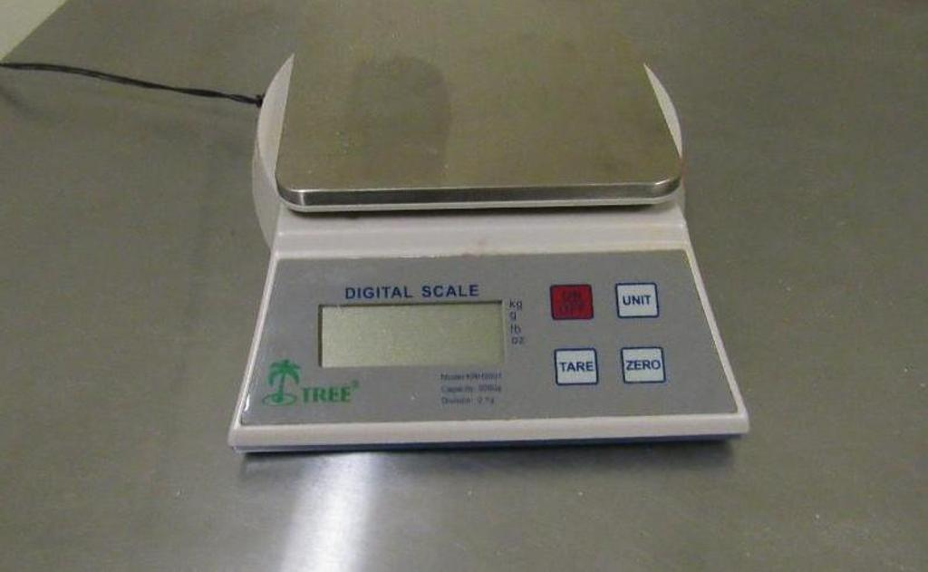 Lot 62 - Tree Digital Scale
