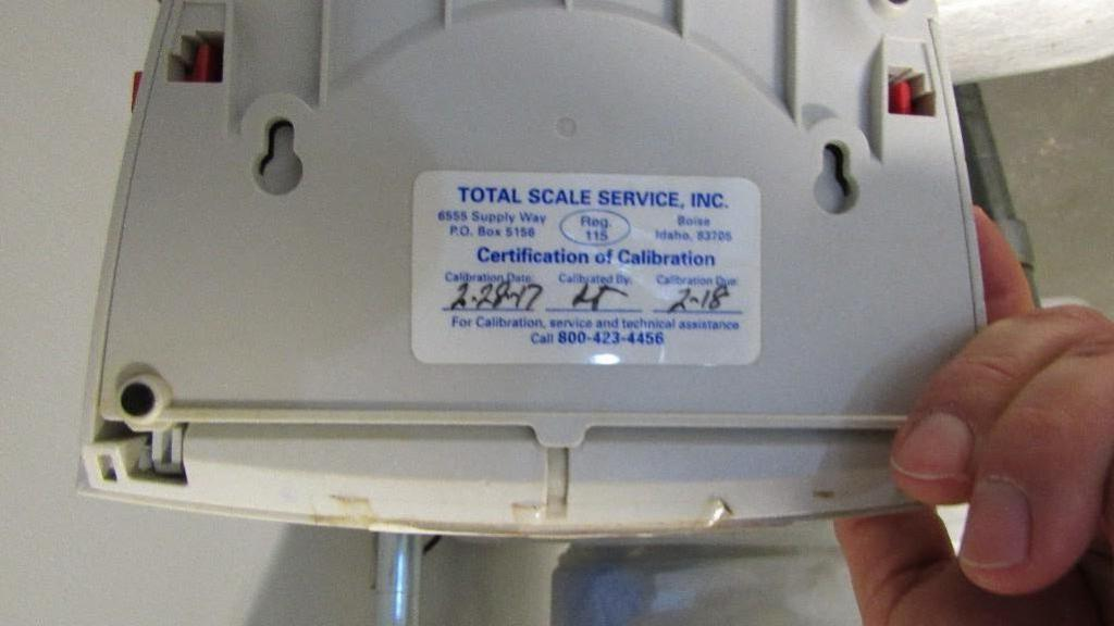 Lot 71 - Ohaus Scale