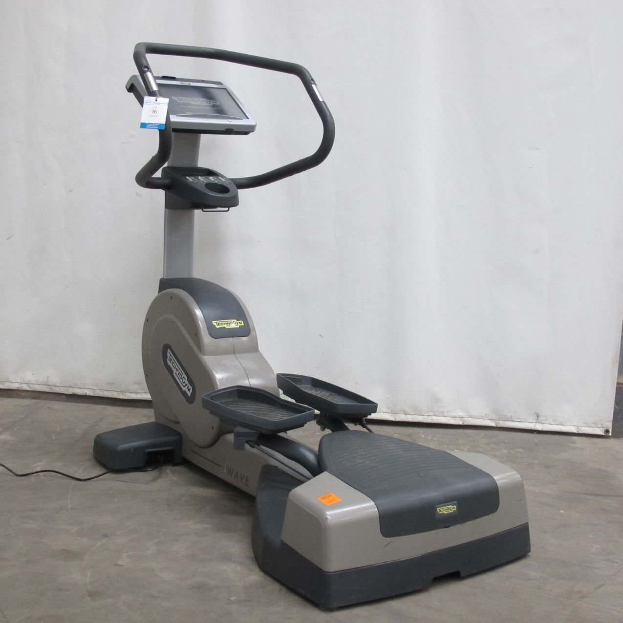 technogym wave excite 700 cross trainer please note. Black Bedroom Furniture Sets. Home Design Ideas