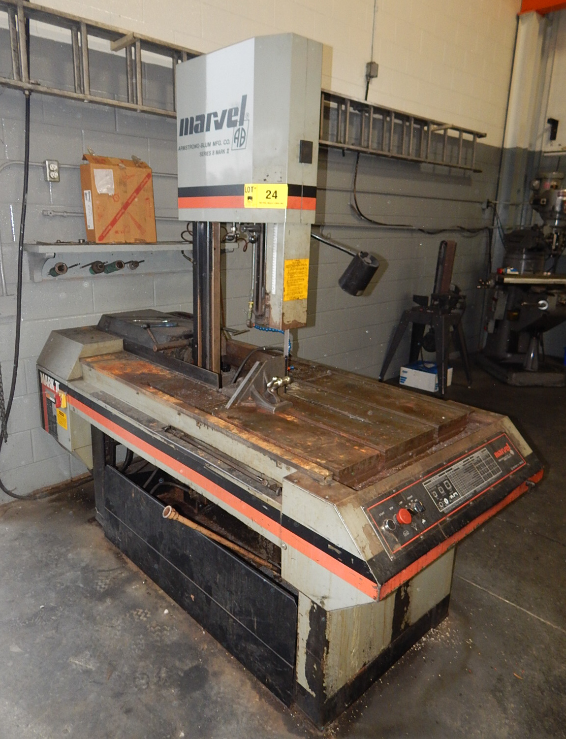 """Lot 24 - MARVEL SERIES 8 MARK II HEAVY DUTY METAL CUTTING VERTICAL BAND SAW WITH 18"""" THROAT, 20"""" MAX. WORK"""