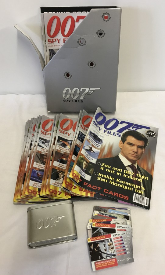 Lot 38 - A collection of 007 James Bond magazine with collectors cards.