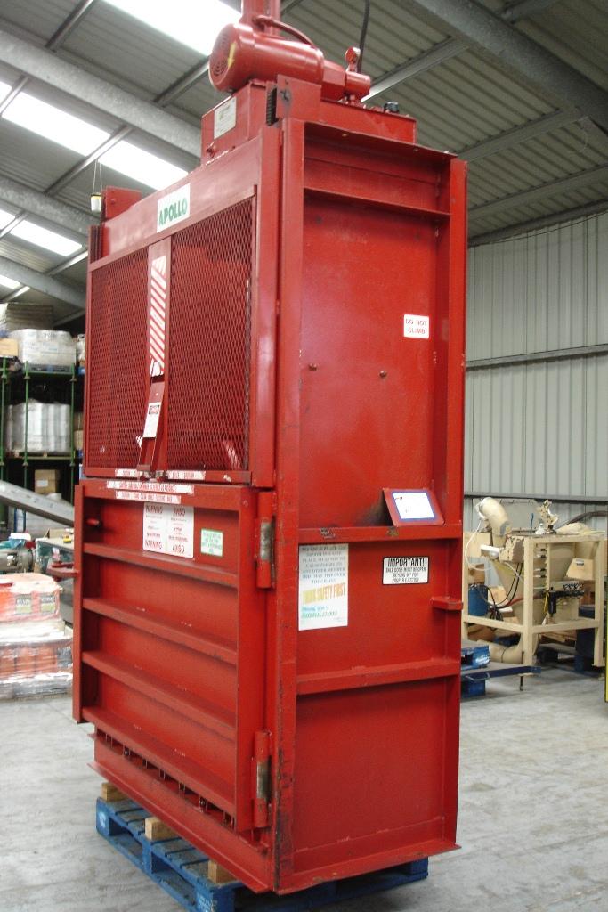 Lot 15 - Apollo Hydraulic Mill Size Baler