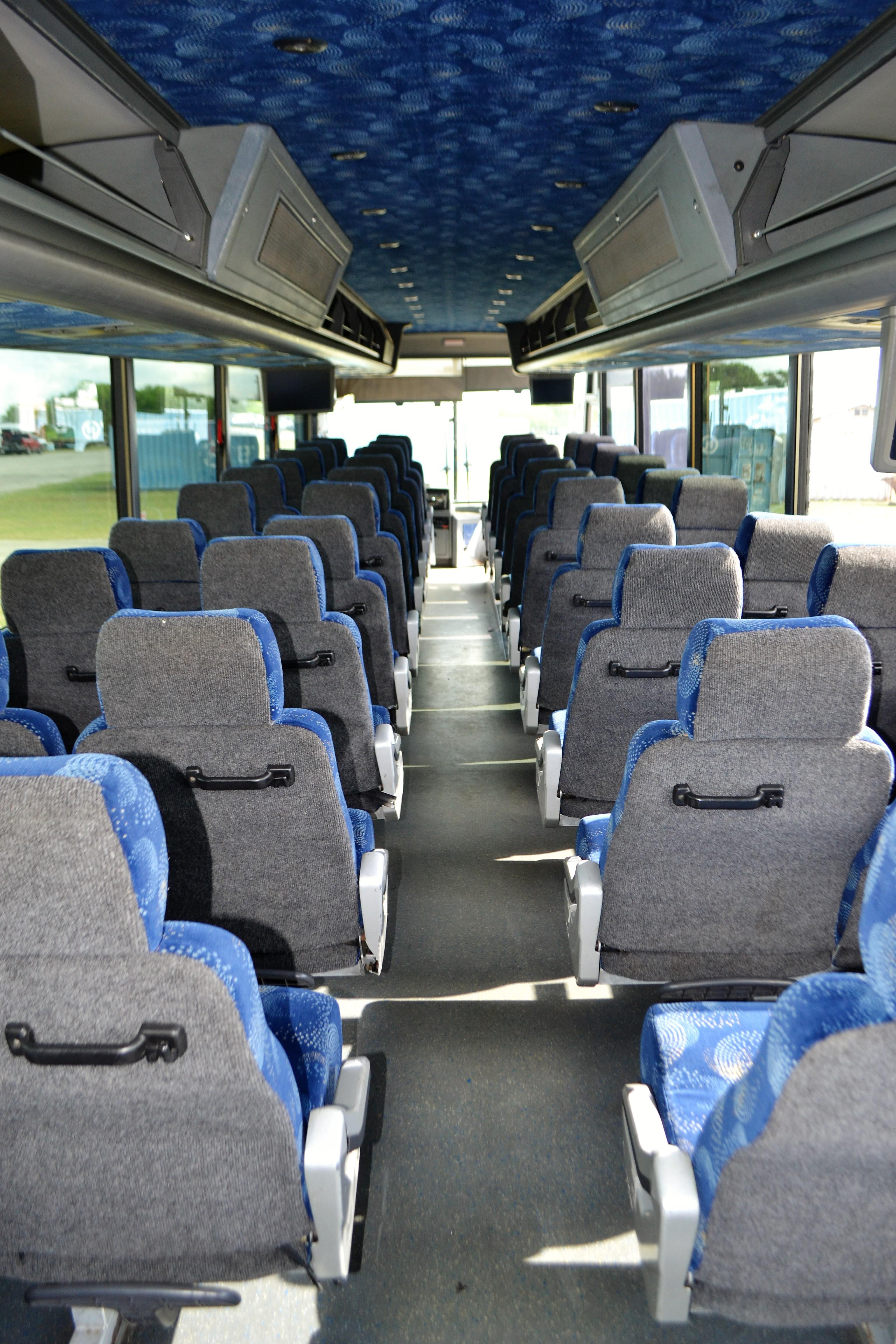 Lot 4 - 2006 Van Hool Commuter Bus # 257