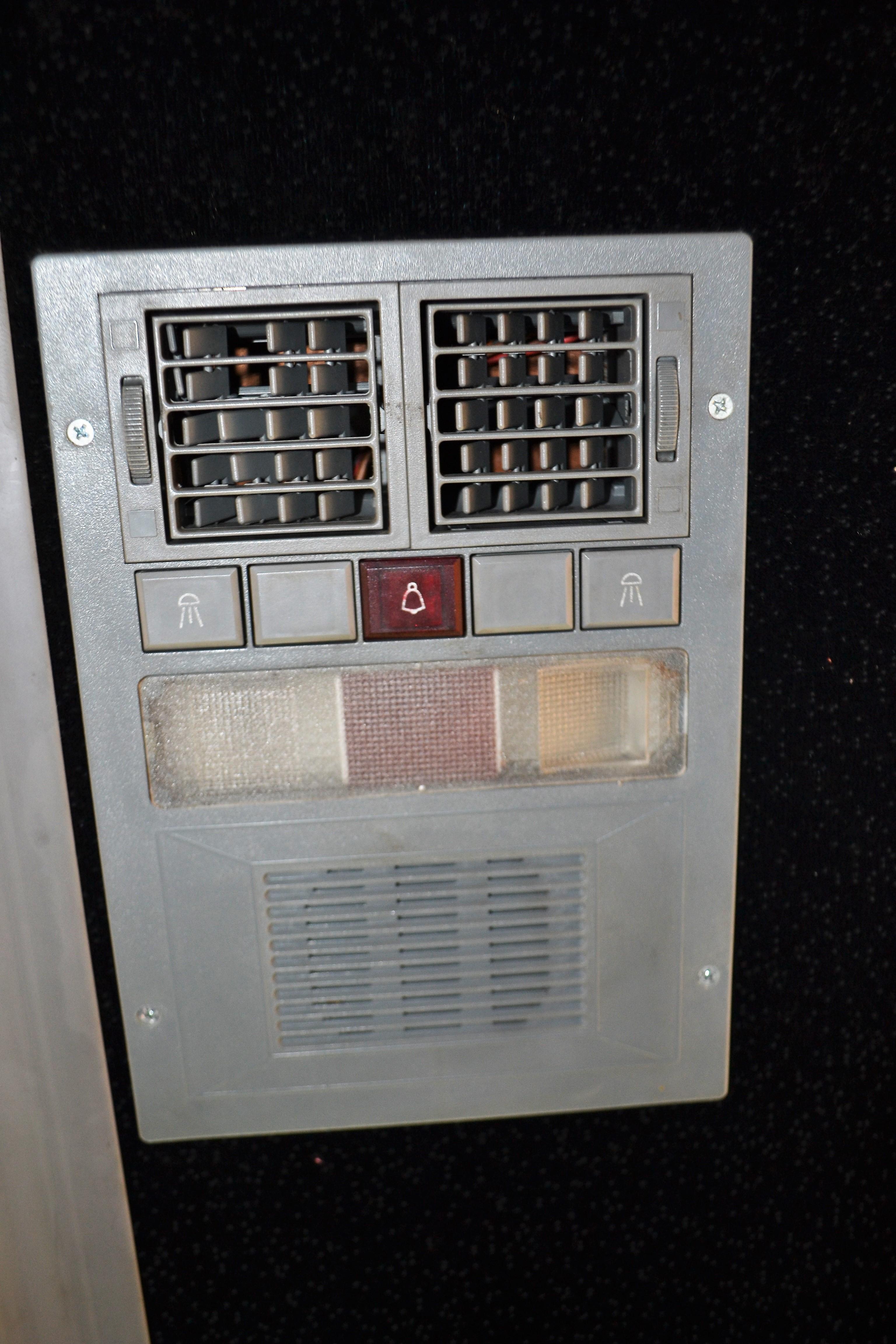 Lot 2 - 2001 Van Hool Commuter Bus # 357 **DOES NOT TURN ON**