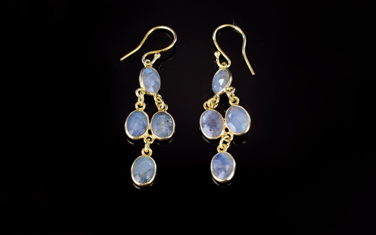 Lot 263 - Labradorite Drop Earrings, each earring